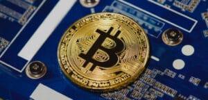Why did Satoshi Nakamoto choose 21M as Bitcoin's maximum supply?