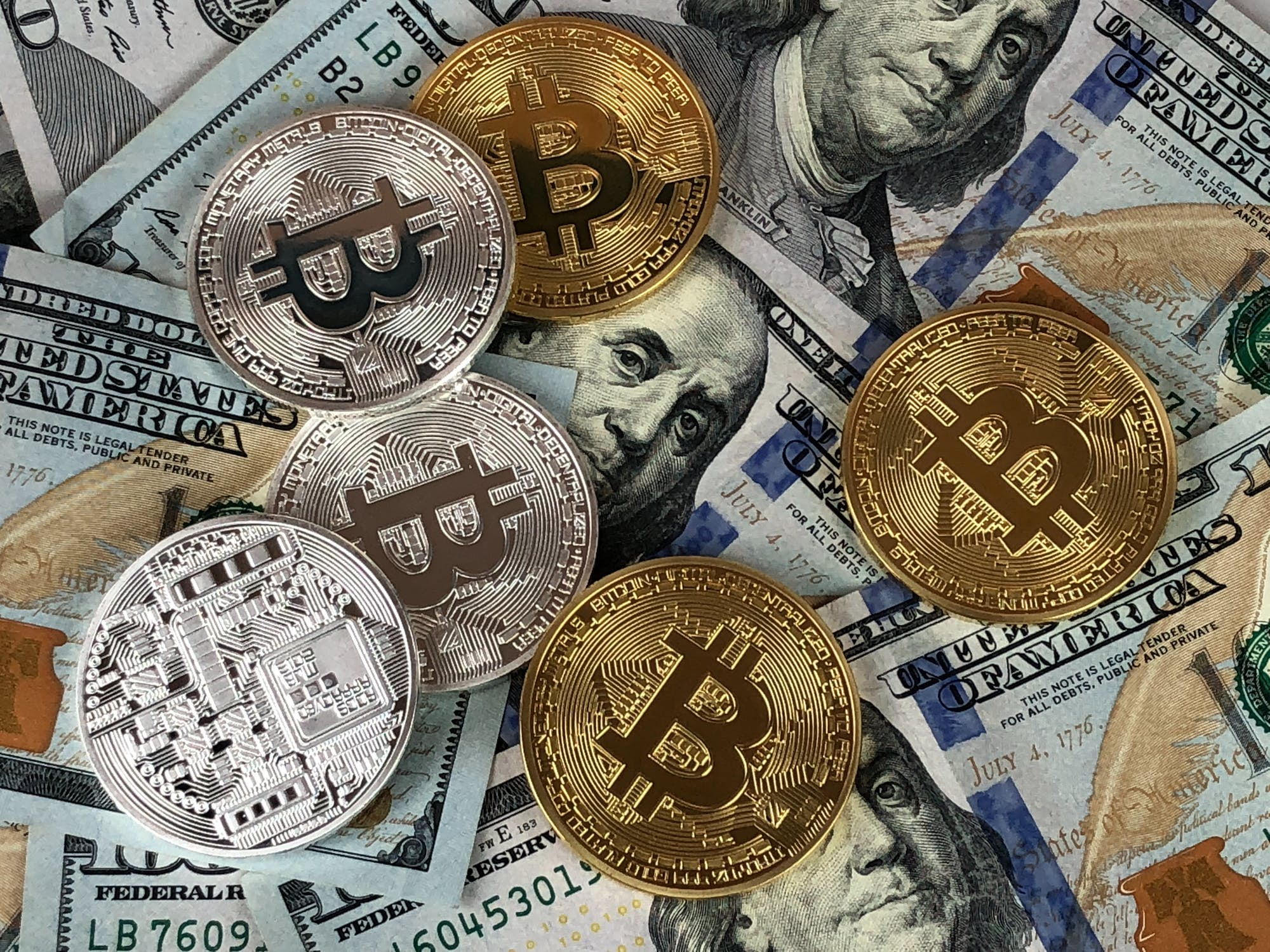 Read more about the article Why CBDCs aren't a threat to Bitcoin